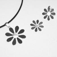 Smyckeset Flora