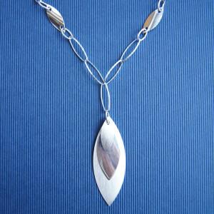 Halsband Mona